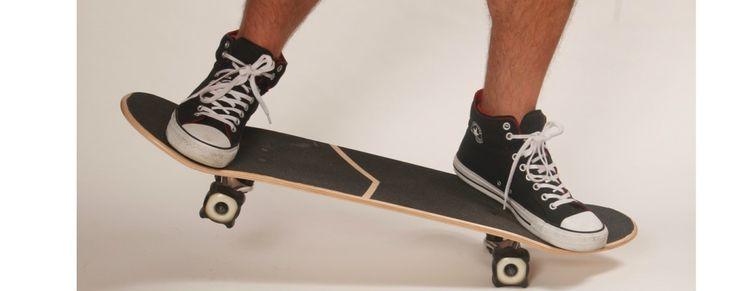 how to balance manual skateboard